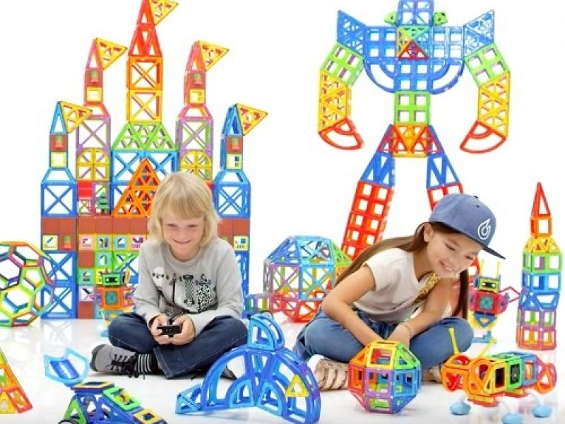 Stikins Presents A Magnificent Competition To Win A Set Of Magformers